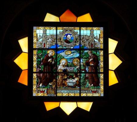 Photo pour Vitrail de la cathédrale Saint-Vitus - image libre de droit