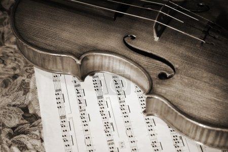 Photo pour Photo gros plan de la partition de witn de violon italien - image libre de droit