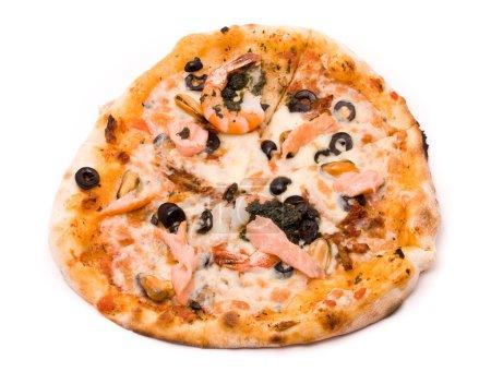Pizza with crude Motstsarella, sauce a mafia, a cream from artic