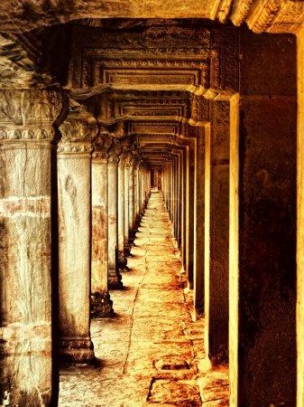 Corridor of pillars