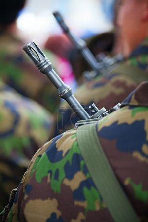 Photo pour Gros plan de l'armée suisse uniforme - image libre de droit