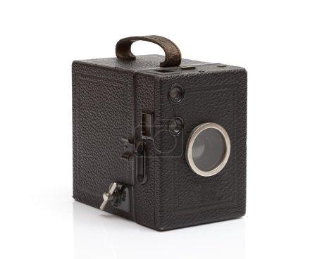 Photo pour Vieille caméra façonné sur fond blanc - image libre de droit