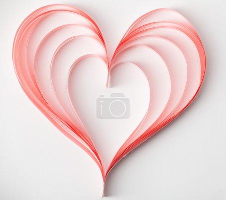 Photo pour Coeur Saint-Valentin faite en papier. carte jour de valenyine. - image libre de droit