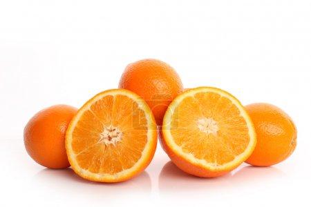 Photo pour Juteuse moitié lumineuse de l'orange orange - image libre de droit