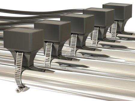Temperature sensors on metal pipes