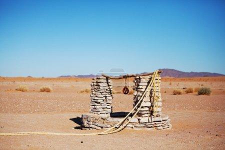 Photo pour Solitaire dans le désert du Sahara, Maroc - image libre de droit