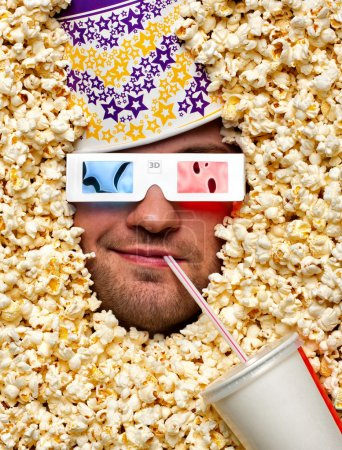 faire face en pop-corn, je regarde le film en 3d