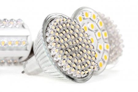 Photo pour Nouvelle technologie d'Ampoule Led est 90 % plus efficaces que les incandescentes ou halogènes - image libre de droit