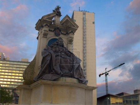 Photo pour Statue de la reine victoria dans le centre-ville de manchester, Royaume-Uni - image libre de droit