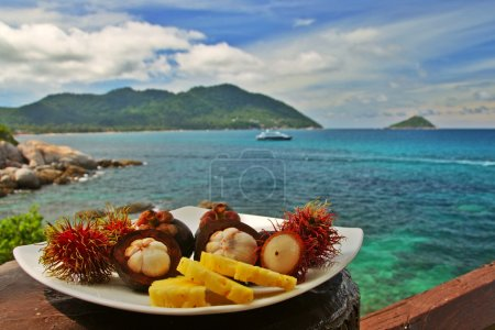 Exotic fruits plate