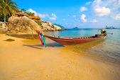 Barco en la playa