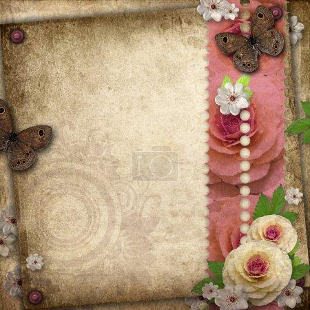 Foto de Fondo vintage con mariposa y rosas para Felicitaciones e invitaciones - Imagen libre de derechos