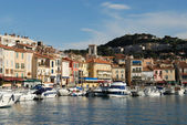 Přímořské město Cassis v oblasti Francouzská Riviéra