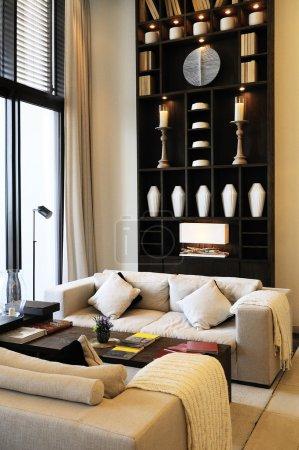 Photo pour Luxe moderne et intérieur confortable d'une chambre - image libre de droit