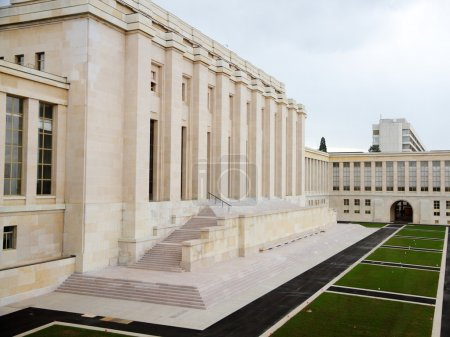 Photo pour Le palais des nations un édifice majeur de l'ONU à Genève, Suisse - image libre de droit