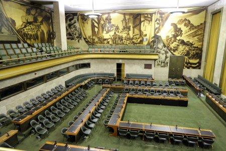 Photo pour Salle des pas perdus avec la plus ancienne salle assemby des nations Unies à Genève, Suisse - image libre de droit