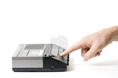 Foto de Reproducir el mensaje de una grabadora de voz. aislado en blanco - Imagen libre de derechos