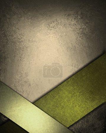 Photo pour Fond gris et vert marron avec des couleurs riches et profondes de la terre, lumières tamisées, bords sombres, texture grunge vintage, rubans verts obliques au bord inférieur du cadre avec fond - image libre de droit