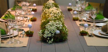 Photo pour Table de golf de mariage très agréable comme fond de sport ou de la nourriture - image libre de droit
