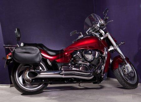 Photo pour Moto - hachoir puissant rouge intérieur - image libre de droit