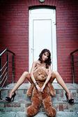 Sexy Frau mit ihr Teddy Bär