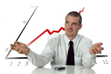 Photo pour Hommes d'affaires derrière le comptoir avec expliquant l'expression sur blanc - image libre de droit