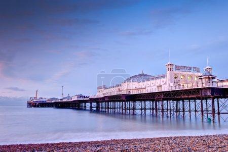 Photo pour Jetée de la plage-brighton, Angleterre - image libre de droit