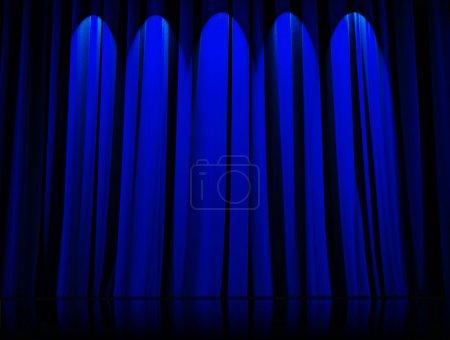 Photo pour Rideau de théâtre bleu - image libre de droit