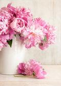 """Постер, картина, фотообои """"розовые пионы в вазе"""""""