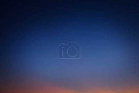 Photo pour Résumé fond ciel nocturne après le coucher du soleil . - image libre de droit