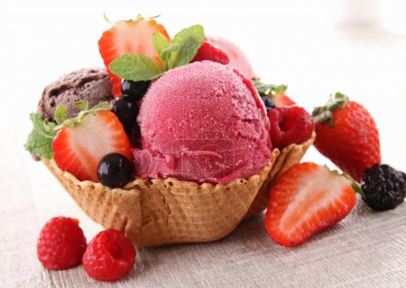 Ice cream and berry fruit