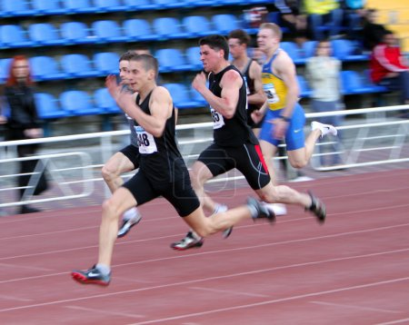 Boys on the 100 meters race
