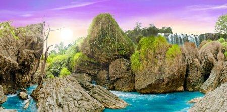 Photo pour Vue magnifique paysage panoramique forêt sauvage et cascade, dalat, vietnam - image libre de droit