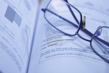 Photo pour Gros plan sur le spectacle du rapport financier - image libre de droit