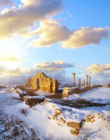 Photo pour Ruines en Crimée - image libre de droit