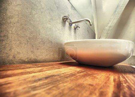 Photo pour Salle de bain et design en bois - image libre de droit