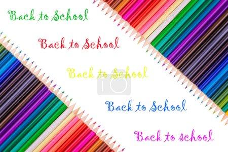 Photo pour Crayons de couleur sur fond blanc - image libre de droit
