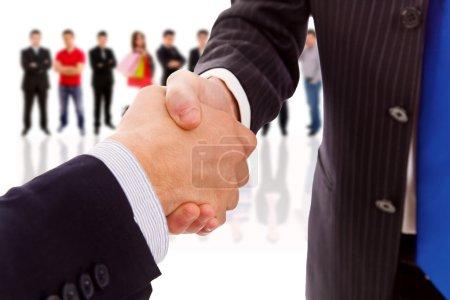 Photo pour Poignée de main du partenaire commercial après l'accord - image libre de droit