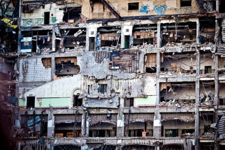 Photo pour Immeuble commercial abandonné à Detroit, MI - image libre de droit