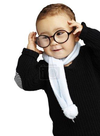 Photo pour Portrait d'un enfant adorable port de lunettes - image libre de droit