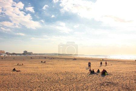 Photo pour Coucher de soleil sur la plage de Boulogne sur mer en France - image libre de droit