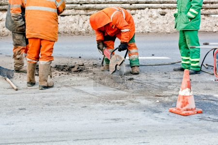 Upgrading road surfaces during roadworks