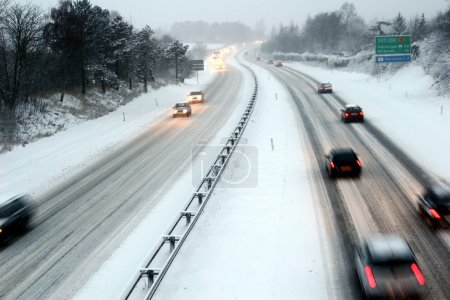 Night traffic in winter