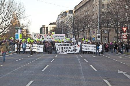 demonstrating against cutting of social spenditures