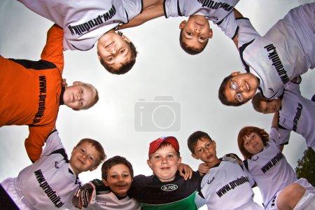 Photo pour WALLAU, ALLEMAGNE - 19 mai : Jeu de football Tournoi de Classe E pour enfants - BSC Schwalbach contre FC WALLAU, 19 mai 2007 à Wallau, Allemagne - image libre de droit
