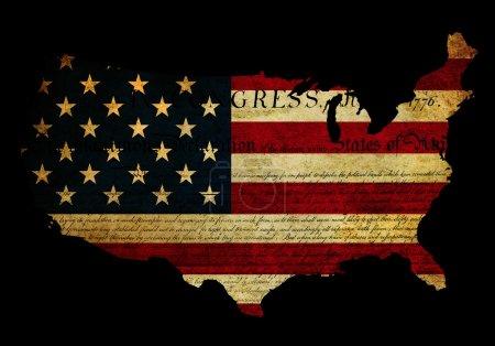 Photo pour Effet de grunge appliqué au drapeau usa avec la déclaration de texte indépendance également montré - image libre de droit