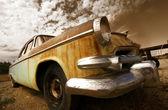 viejo coche rústica