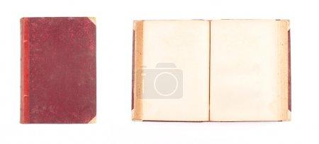 Photo pour Ouvert et fermé livre antique isolé sur fond blanc - image libre de droit