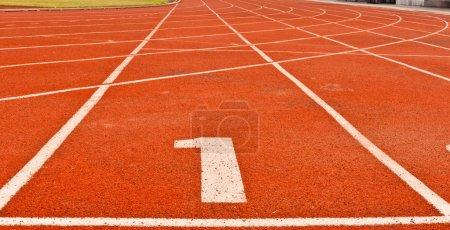 Foto de Números en la pista es el comienzo de la carrera - Imagen libre de derechos