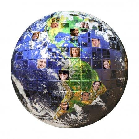 Photo pour Montage de la terre avec un réseau mondial de tous les horizons sur différents continents isolés sur blanc. tracé de détourage inclus. Terre photo co - image libre de droit